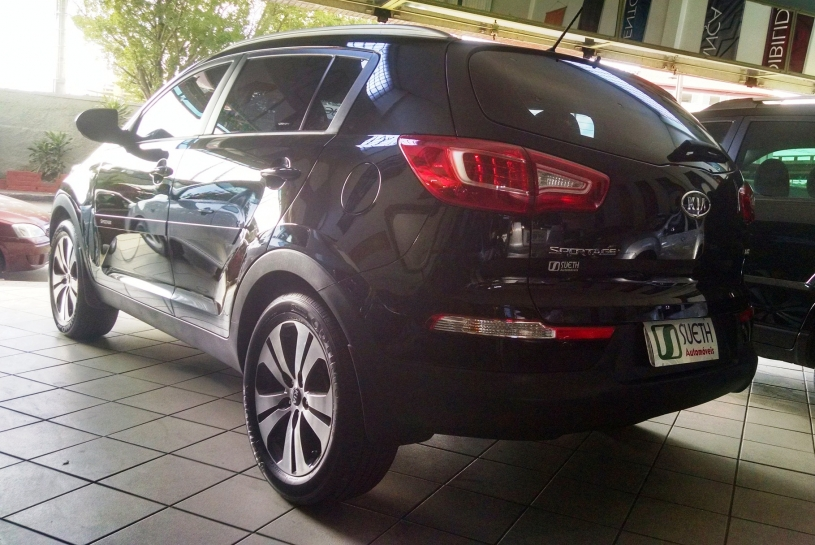 Kia SPORTAGE 4X2 LX MANUAL
